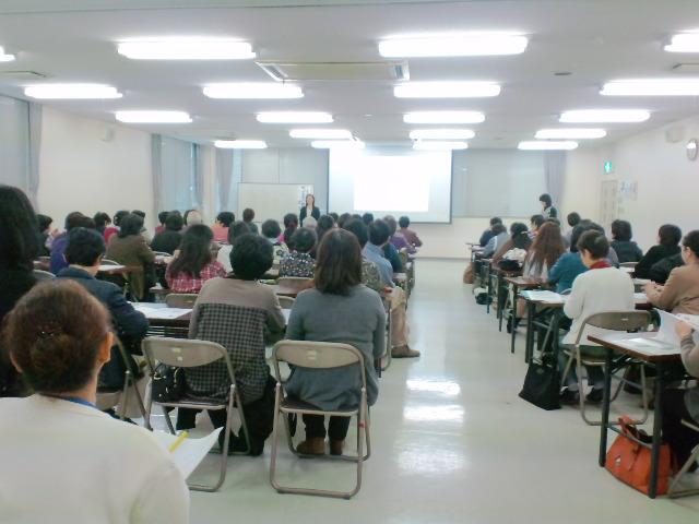 2011年11月30日コープ香川主催 終活セミナーの様子(講師:明石久美)