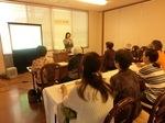 20120721高知県庁生協-老い支度セミナーの様子2(講師:明石久美)